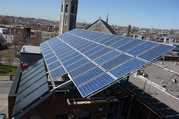 Photovoltaic and thermal panels on the Abondance-Montréal Triplex